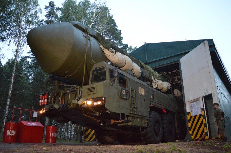 Армейские игры: новосибирские ракетчики отбили нападение