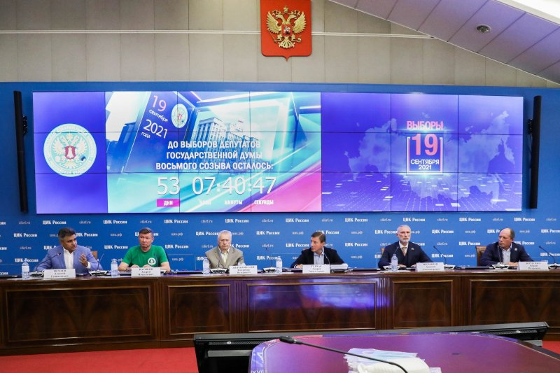 «Кто все эти люди?»: Константин Костин о политиках и избирателях, поверят ли они друг другу?