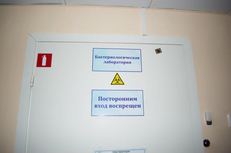 Новосибирских медиков учат правильно ставить уколы от коронавируса