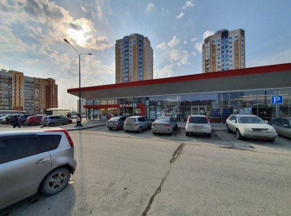 На месте «Горожанок» в Новосибирске открываются супермаркеты SPAR и «Хороший выбор»