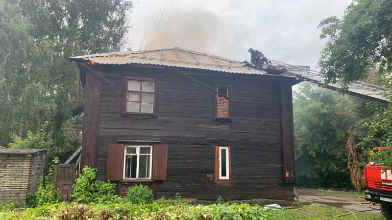 Ночной пожар на Никитина оставил без дома 33 человека
