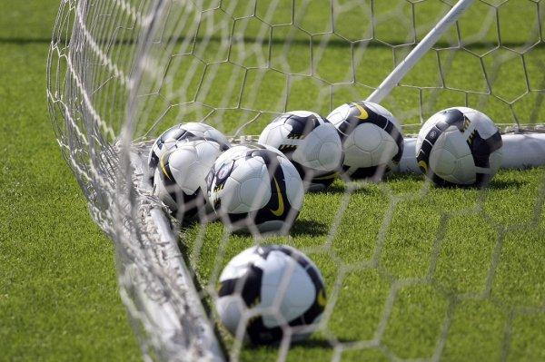 ФК «Новосибирск» разгромил «Ладу-Тольятти» и вернул себе первое место в турнирной таблице