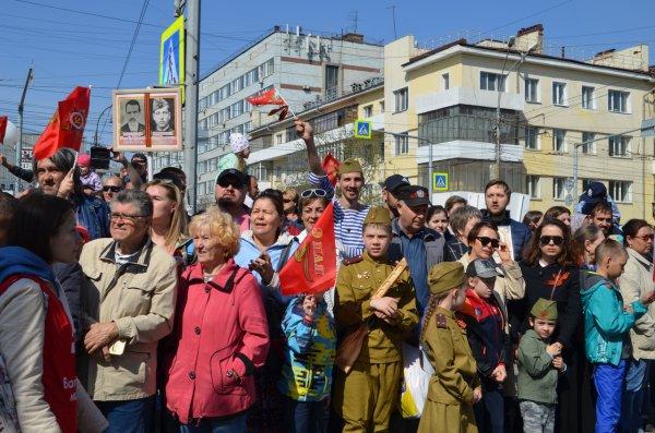 «Дошел до самой Победы»: Новосибирск отмечает 9 мая