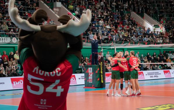Казанский «Зенит» увез победу из нового волейбольного центра в Новосибирске