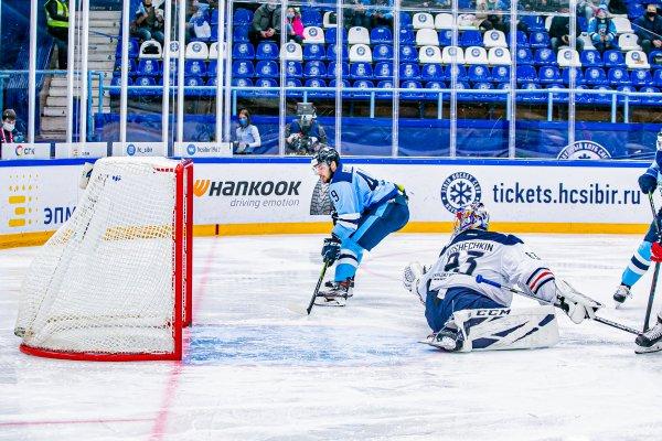 «Сибирь» порадовала: новосибирцы обыграли «Магнитку» на своем льду