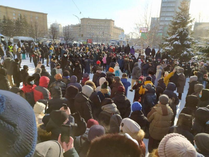 Новосибирская полиция через суд требует от депутата и блогера 3 миллиона за работу на зимнем митинге