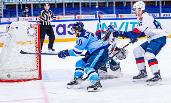 «Сибирь» обыграла нижегородское «Торпедо» и вернула себе место в зоне плей-офф