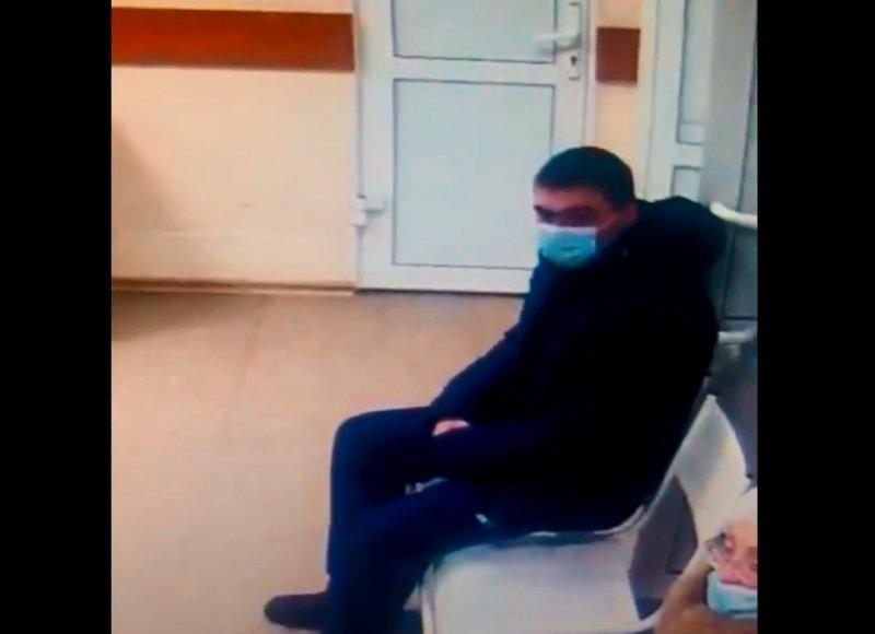Новосибирец вынес из Облбольницы медоборудование