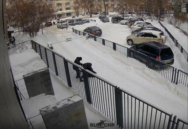 Новосибирец лишился пакета с 15 миллионами возле НГТУ