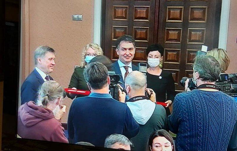 Депутаты горсовета получили удостоверения