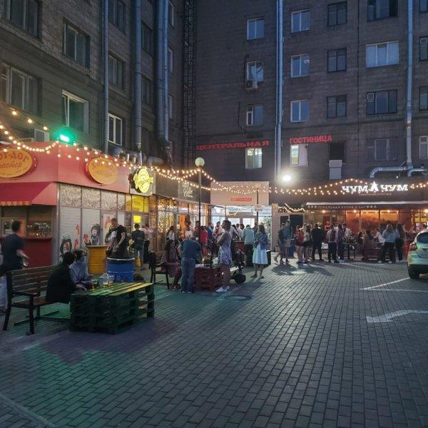 Губернатор Травников разрешил ресторанам и баням открыться
