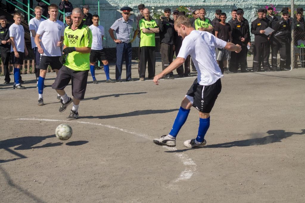 футбол в колонии2.jpg