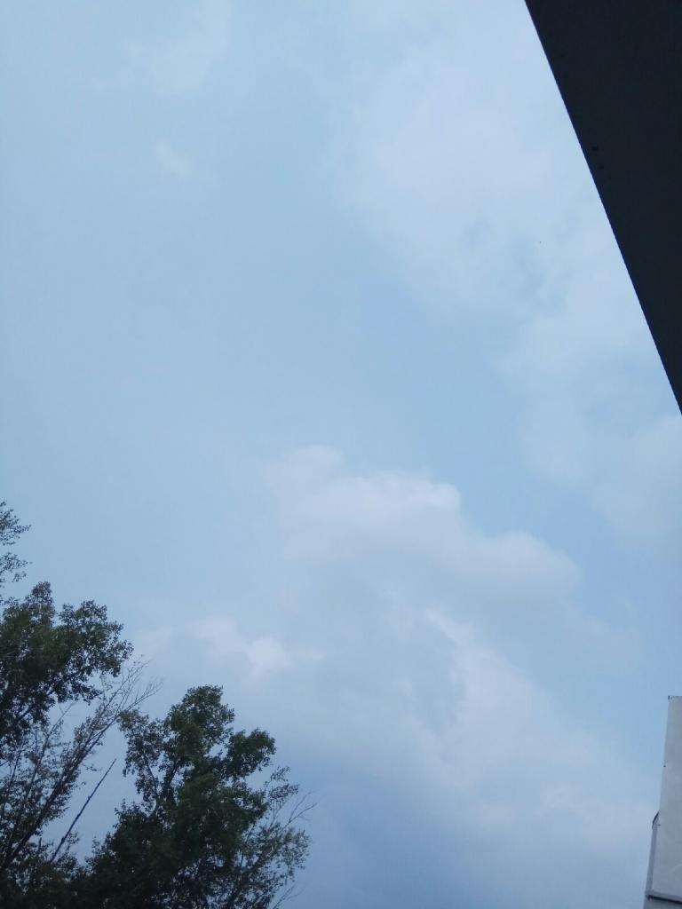небо кусочек.jpg