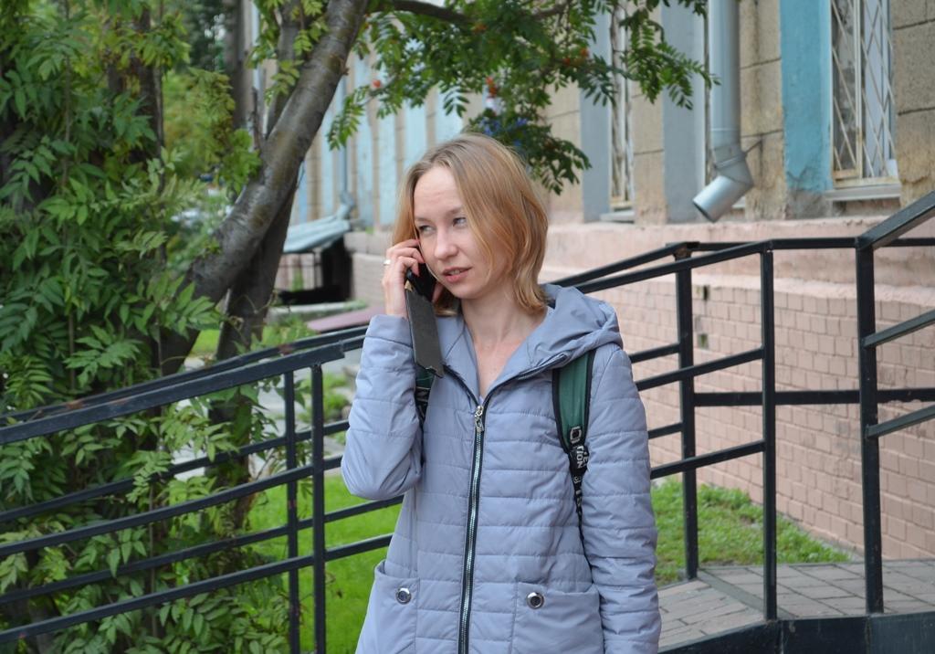 девушка с пикета (1).JPG